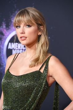 """Taylor Swift was the guest of honor at the American Music Awards on Sunday night. The """"Lover"""" singer, who received the artist of the decade award at American Music Awards, Taylor Swift Hot, Taylor Swfit, Swift 3, Taylor Hill, Blake Shelton, Avicii, Bradley Cooper, Cardi B"""