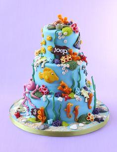 Ocean, Beach, Underwater Decorated Cake  http://ediblecraftsonline.com/ebook2/mybooks73.htm?hop=megairmone