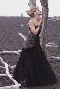 Madonna-Herb Ritts photoshoot in Hawaii Madonna Music, Madonna Mode, Lady Madonna, 1980s Madonna, Guy Ritchie, Sean Penn, Madonna Fashion, 80s Fashion, Divas Pop