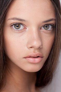 Marina nery has such pretty eyes Doe Eyes, Hazel Eyes, Poses, Pretty People, Beautiful People, Beautiful Women, Marina Nery, Inka Williams, Large Eyes