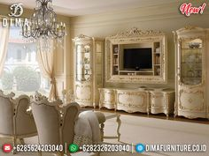 Beautiful beige wall to the living room for the Baroque design trends .luxury Italian living by Gimo - Traditional Dining Room Sets, Dining Room Chairs, Tv Wand Design, Morrocan House, Tv Stand Luxury, Ruang Tv, Classic Dining Room, Tv Wall Decor, Baroque Design