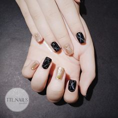 Pin by Alicyn Curtis on nails in 2020 Pretty Toe Nails, Pretty Nail Art, Gorgeous Nails, Love Nails, Ny Nails, Xmas Nails, Nail Art Designs Videos, Cute Nail Art Designs, Korean Nails