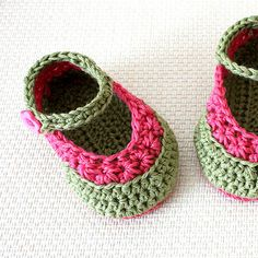 Instant Download (PDF file) CROCHET Pattern - Baby Booties Daisy Crochet Stitch ( 0-6 /6- 12 months)