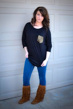 gold bling pocket tee!! yes please!