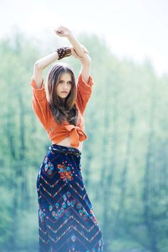 Romantic Meadow Photography - The Summer Breeze Editorial is Soft and Feminine (GALLERY)