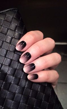 Best Ombre Nail Designs for 2019 – Ombre Nail Art Ideas. The ombre nail art designs look very glamorous for women. Black Ombre Nails, Black Nail Art, Gradient Nails, White Nails, Fun Nails, Dark Ombre, Galaxy Nails, White Ombre, Gradient Color