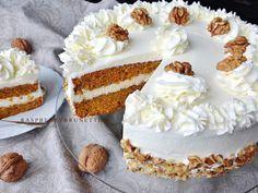 Vláčna, vďaka orechom neskutočne jemná a chutná torta vhodná na akúkoľvek príležitosť. Jednoduchý a hrnčekový recept len zo 4 vajíčo... Vanilla Cake, Cheesecake, Cakes, Food, Cake Makers, Cheesecakes, Kuchen, Essen, Cake