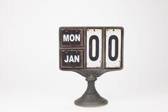 Calendário de Mesa 25 x 13 x 30 cm | A Loja do Gato Preto | #alojadogatopreto | #shoponline | referência 74067004