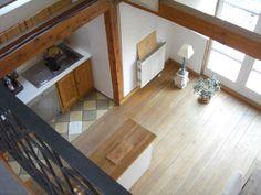Blick von der Galerie auf die Küche