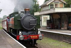 9466 at Yaxham Station by Bill Sibley, via Flickr