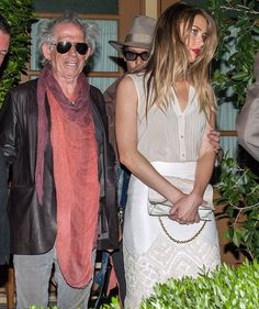 Johny Depp act as a Bodyguard for his GF 'Amber Heard'