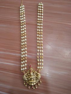 Pearl Necklace Designs, Gold Pearl Necklace, Jewelry Design Earrings, Gold Earrings Designs, Beaded Jewelry, Pearl Jewelry, Gold Temple Jewellery, Antique Jewellery Designs, Gold Jewelry Simple