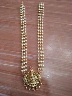 Antique Jewellery Designs, Gold Jewellery Design, Bead Jewellery, Latest Gold Jewellery, Temple Jewellery, Pearl Necklace Designs, Gold Pearl Necklace, Pearl Jewelry, Gold Earrings