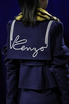 cool Kenzo Fall 2016 Ready-to-Wear Fashion Show - Vogue Fashion Week Paris, Runway Fashion, High Fashion, Fashion Show, Womens Fashion, Fashion Trends, Fashion Outfits, Kenzo, Non Plus Ultra
