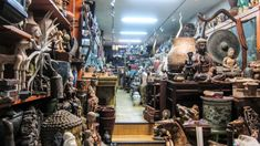 Dapsimni Antique Market in Seoul-Subway Line 5 to Dapsimni Station (Exit HOURS Monday-Saturday : Closed on Sundays Antique Buyers, Antique Market, Antique Silver, Antique Jewelry, Where To Sell, Fair Price, Find People, Selling Jewelry, Precious Metals