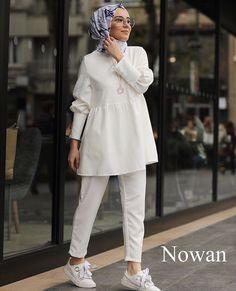 Hijab Style Dress, Modest Fashion Hijab, Modern Hijab Fashion, Street Hijab Fashion, Pakistani Fashion Casual, Hijab Fashion Inspiration, Hijab Outfit, Muslim Fashion, Abaya Fashion