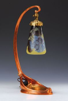 Lot : Table lamp, Emile Gallé, 1900, colorless layerof glass... | In the sale Verrerie, Porcelaine et Céramique at Henry's Auktionshaus