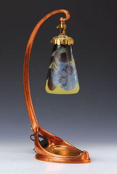 Lot : Table lamp, Emile Gallé, 1900, colorless layerof glass...   In the sale Verrerie, Porcelaine et Céramique at Henry's Auktionshaus