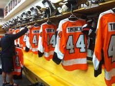 Kimmo Timonen being honored for playing 1000 games at pre game warmups by having the team wear his #