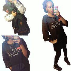 FILA🔥😎 #ootd #styleblogger #fashion #style #fashionblogger #nyc #fila #wego #vintage #90sfashions #girl #kicks #curlyhair #スタイル #ファッション #コーディネート #コーデ #like4like #photooftheday #instadaily #bootlegtommy #tommyhilfiger #vintagetommyhilfiger