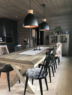Cabin Interiors, Wooden House, Küchen Design, My House, House Plans, Cottage, Sweet Home, Inspiration, Furniture