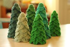 To make for Christmas. YARNFREAK: 1. søndag-i-advents-DIY: Hæklede juletræer