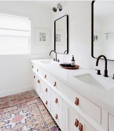 Oh, hey cute bathroom with your leather pulls and brick floor! Don't forget to share your home snaps in our #SMmakelifebeautiful feed! Design by @lada_webster