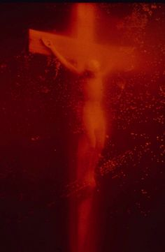 Andres Serrano / Piss Christ, 1987 / Cibachrome / 101 x 406 cm. Red Aesthetic, Aesthetic Pictures, Colors Of Fire, Religion Catolica, Spiritual Symbols, Body Fluid, Saatchi Gallery, Photo D Art, Christ