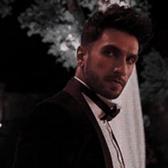 ♡ Deepika Padukone gif Ranveer Singh Bollywood gifs Deepveer Crackship Pencil Drawing Images, Ranveer Singh, Bollywood Stars, Deepika Padukone, Celebrity Crush, Actors & Actresses, Sexy Men, Rv, Spicy