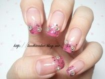 Wedding Nail Designs : A sparkly pink and gold bridal manicure for spring or summer! Bridal Nails Designs, Wedding Nails Design, Colorful Nail Designs, Nail Art Designs, Rasta Nails, Pink Wedding Nails, Glitter Wedding, Gothic Nails, Japanese Nail Art