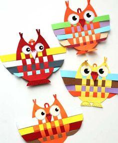 Kijk wat ik gevonden heb op Freubelweb.nl: een gratis werkbeschrijving van Krokotak om deze leuke uiltjes te maken https://www.freubelweb.nl/freubel-zelf/zelf-maken-met-papier-uiltjes/