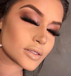 Excellent Makeup goals tips are available on our web pages. Take a look and you wont be sorry you did. Glam Makeup, Makeup Inspo, Makeup Art, Makeup Inspiration, Beauty Makeup, Makeup Goals, Makeup Tips, Eyebrow Makeup, Eyeshadow Makeup
