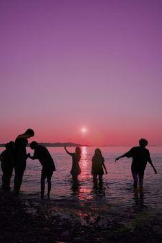 Beach Friends, Cute Friends, Summer Nights, Summer Vibes, Poses References, Summer Goals, Best Friend Pictures, Summer Dream, Summer Photos