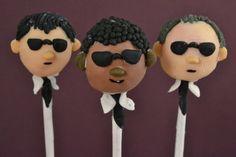 Men in Black Cake Pops - 25 by chicharitospops, via Flickr