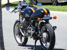 """For Sale: 1982 Honda Cx 500 Cafe' Racer in Nambour, QLD, Australia Sounds fantastic with cafe' pipes and runs like its on rails.No Bull. Very well balanced bike. The bars can be changed to an upright position if you don't like """" The Lean Over"""" posi Cafe Racer For Sale, Cafe Racer Bikes, Cafe Racers, Cx 500, Bikes For Sale, Pipes, Honda, Motorcycles, Clock"""