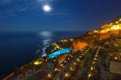 Monastero Santa Rosa, spettacolare hotel sul mare nella Costiera Amalfitana   Spiaggia.Piksun.com