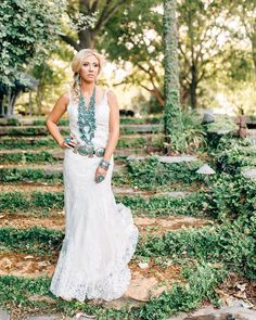 Beautiful girl, amazing jewelry and an awesome venue! Couldn't have asked for a better combo. Wedding Dress With Veil, Wedding Dresses, Awesome, Amazing, Hair, Photography, Beautiful, Instagram, Jewelry