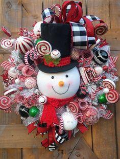 Wooden Christmas Crafts, Elf Christmas Decorations, Christmas Wreaths To Make, Christmas Bows, Holiday Wreaths, Christmas Ornaments, Homemade Wreaths, Snowman Wreath, Art Design