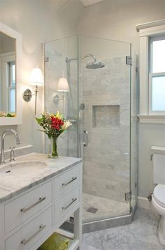 40+ Cool Small Master Bathroom Renovation Inspirations
