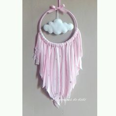 Attrape rêves rose petit modèle : Décorations murales par les-petits-nuages-de-charlie