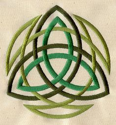 Three colors of Celtic knotwork intertwine in this timeless design. Embroidery Art, Cross Stitch Embroidery, Embroidery Patterns, Quilt Patterns, Machine Embroidery, Celtic Symbols, Celtic Art, Celtic Knots, Triquetra