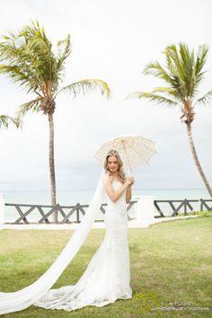 casamento em Natal #brideoftheday #noiva acessem http://noivadeevase.com/casamentos-reais-cecilia-e-gabriel/