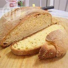 Broa de milho @ allrecipes.com.br - Essa receita de broa é portuguesa, com certeza! Eu adoro com um cafezinho fresco passado na hora. Vale a pena fazer.