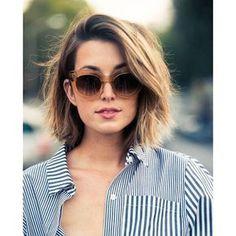 Se coiffer au quotidien quand on a des cheveux fins n'est pas toujours évident. Mais rassurez-vous, ce n'est pas une fatalité ! Il suffit de choisir la coiffure qui saura apporter souplesse et volume à votre chevelure raplapla. Voici 25 coiffures stylées et idéales pour les cheveux fins, repérées sur Pinterest.