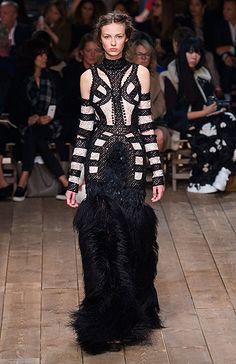 Неделя моды в Париже: Alexander McQueen. Фото