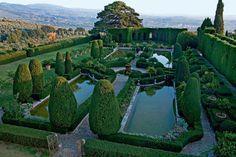 Il parterre d'eau di Villa Gamberaia a Settignano, Firenze (Toscana). photo by Dario Fusaro