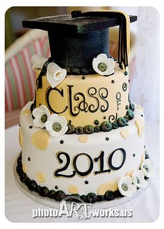 Graduation Cake but in black n red and white