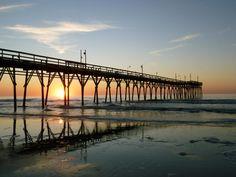 Brunswick Islands, N., is a perfect family vacation spot Sunset Beach Nc, Ocean Isle Beach, Sunset Sea, Family Vacation Spots, Vacation Trips, Vacation Ideas, American Islands, East Coast Beaches, Living In North Carolina