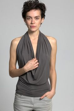 Show off your back this summer with this sexy halter neck top, perfect for those hot summer days. Front is draped creating a chic cowl neck effect. Diy Halter Top, Halter Neck, Halter Tops, Pattern Draping, Low Waist Jeans, Tuxedo Dress, Love Fashion, Fashion Tips, Top Pattern