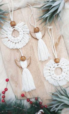 Scandi Christmas Decorations, Easy Christmas Crafts, Diy Christmas Ornaments, Handmade Christmas, Wooden Ornaments, Christmas Christmas, White Xmas Tree, Bohemian Christmas, Macrame Design